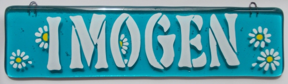 160401-3 10x2.5 Imogen w daisies