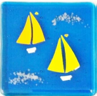 170311-2 4sq Yellow sails on blu