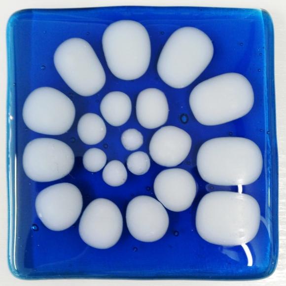 170317-3 4sq Ammonite pearls on blu